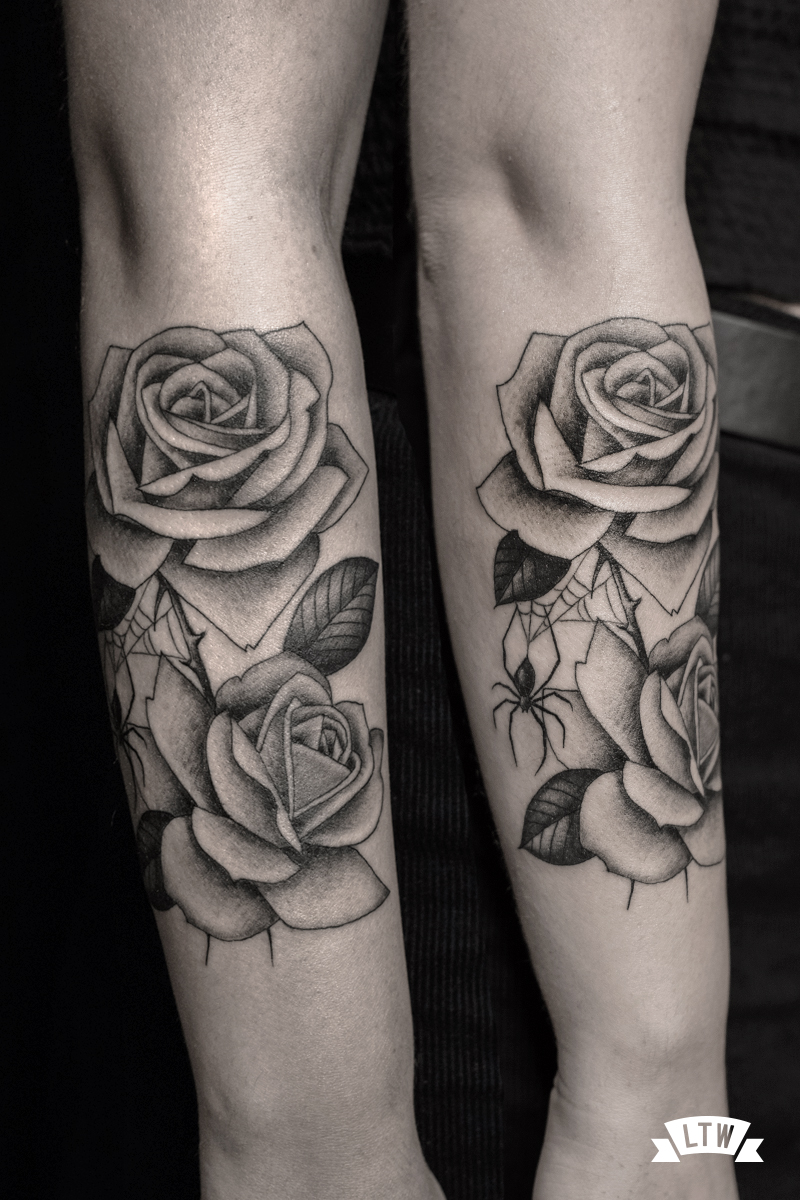 Roses with a spider tattooed by Alexis